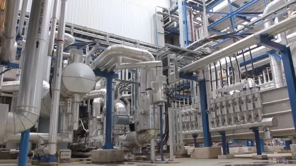 Industrielle Anlagenstruktur mit Rohr