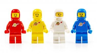 çeşitli astronot lego küçük rakamlar üzerinde beyaz izole.