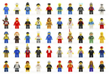 elli bir grup çeşitli lego küçük rakamlar