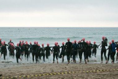 Women doing triathlon