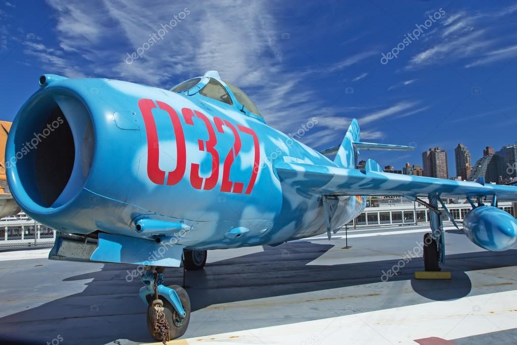 ロシアの航空機 mig 17 interpid...