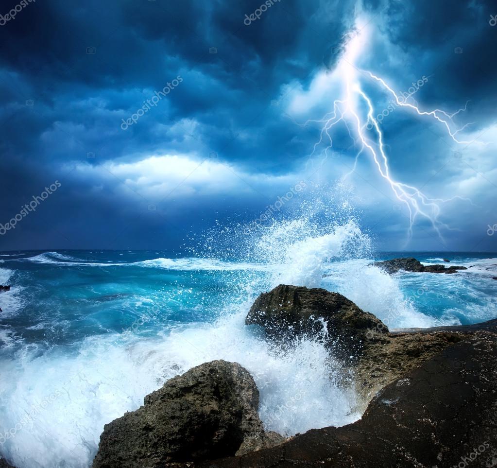 Фотообои Шторм Океан