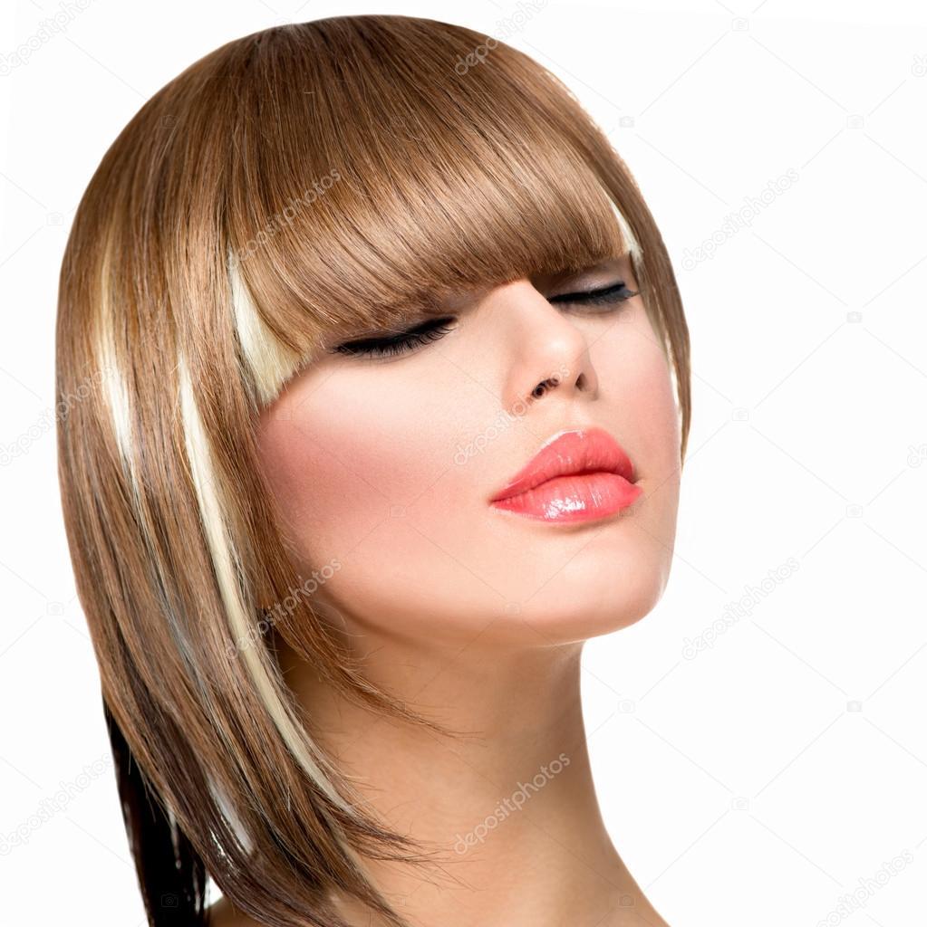 hermosa moda peinado de mujer de pelo corto corte de pelo flequillo u foto de
