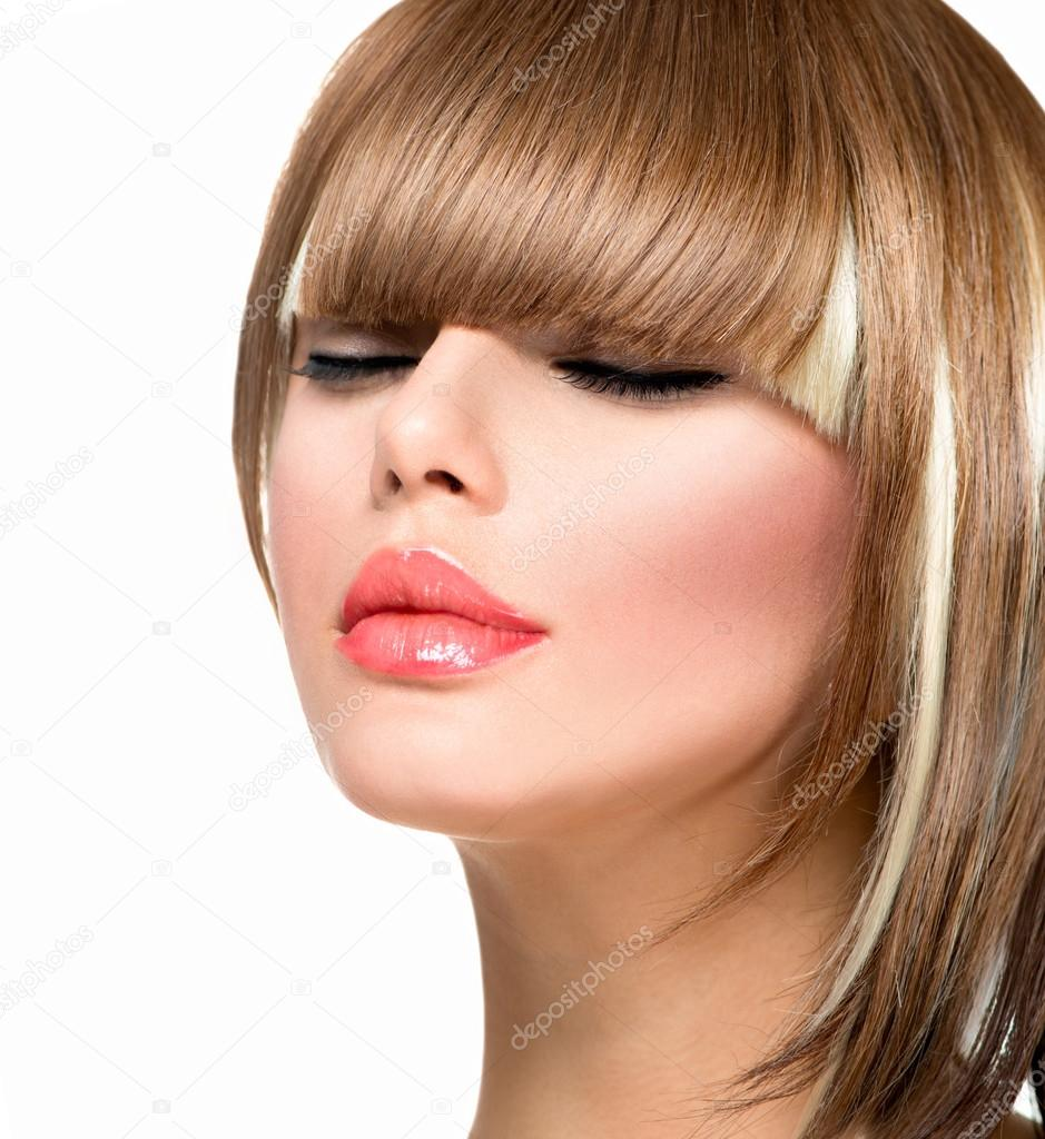 db49c285ebb Hermosa moda peinado de mujer de pelo corto. corte de pelo flequillo -  imágenes  peinados de pelo corto — Foto de ...