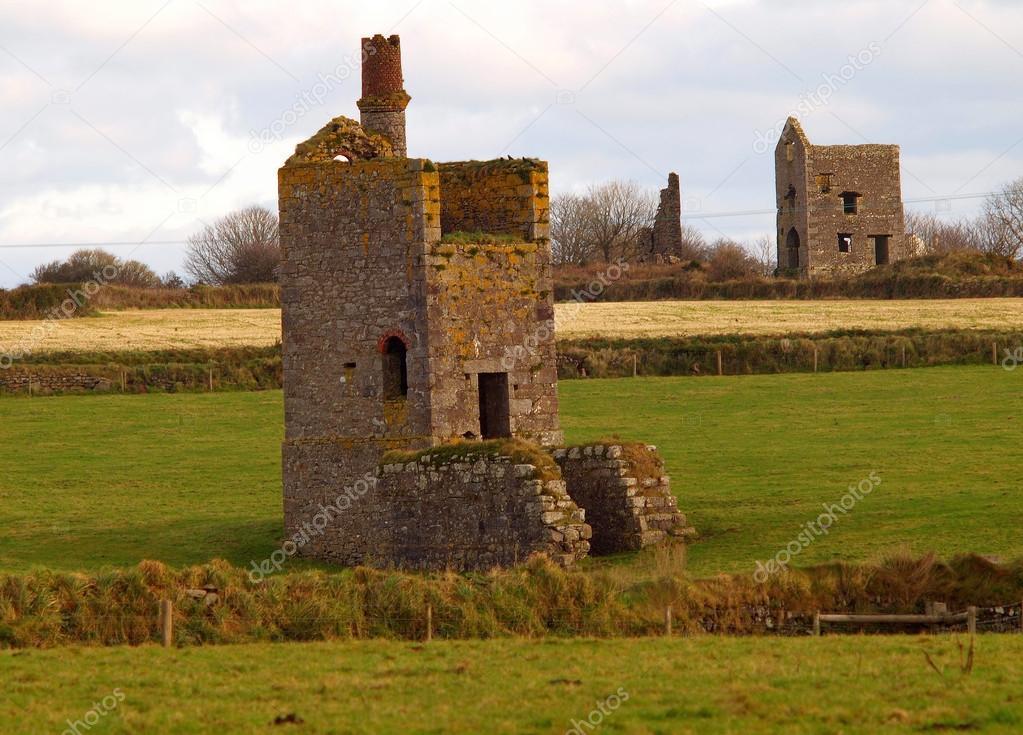 Verfallen Meine Gebaude In Cornwall Stockfoto C Mosnell 18592587