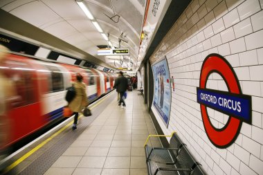 London Tube, Oxford Circus