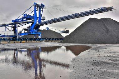 harvester for coal mining