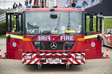 Londra, İngiltere - 20 Ekim: İngiliz itfaiye detayını. Firefigh