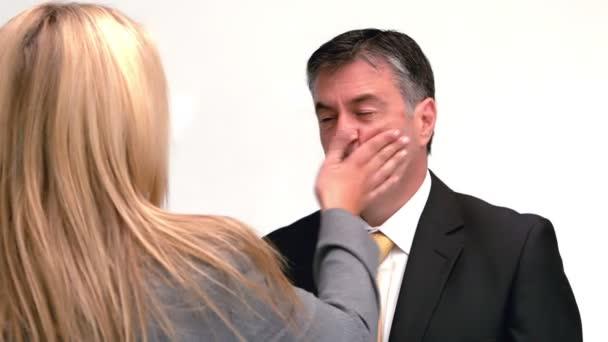 Dating en misshandlade kvinna