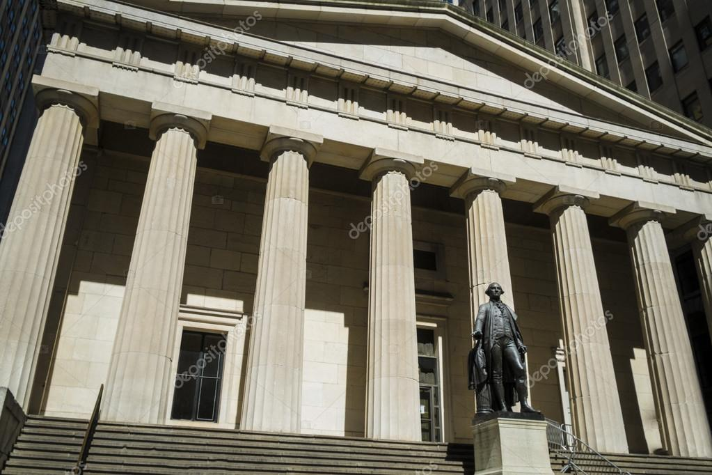 Statua di george washington federal hall di new york city for Piani di washington