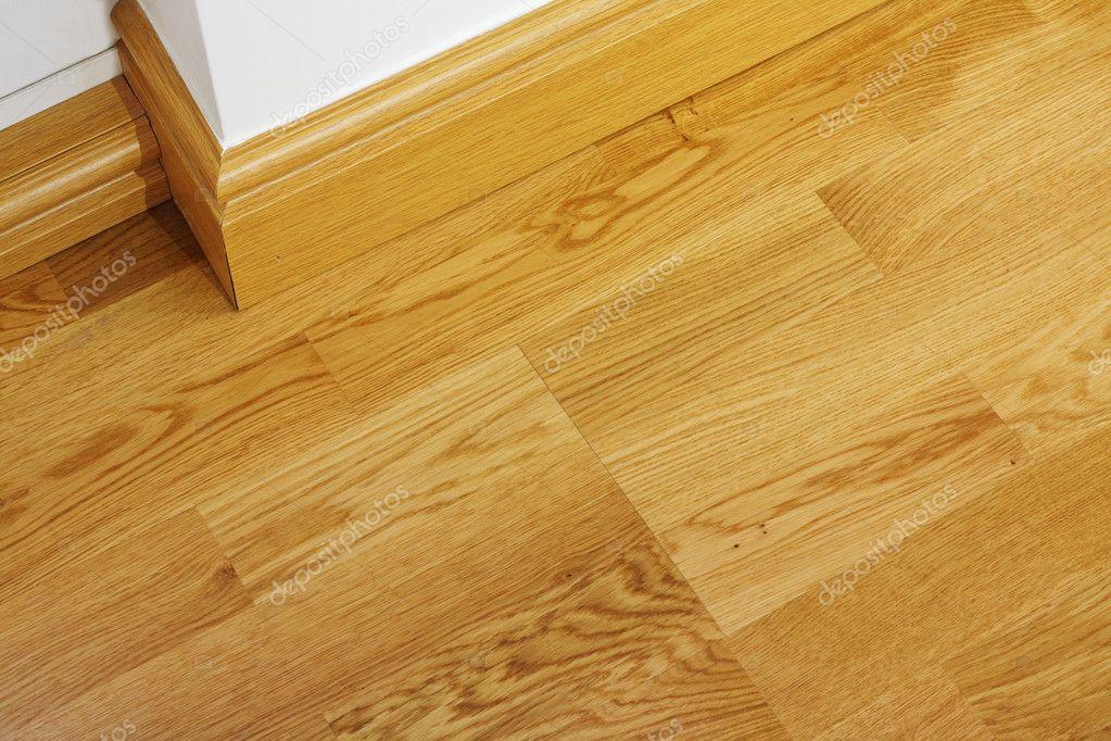 Laminaat houten vloeren en plinten u stockfoto stocksolutions