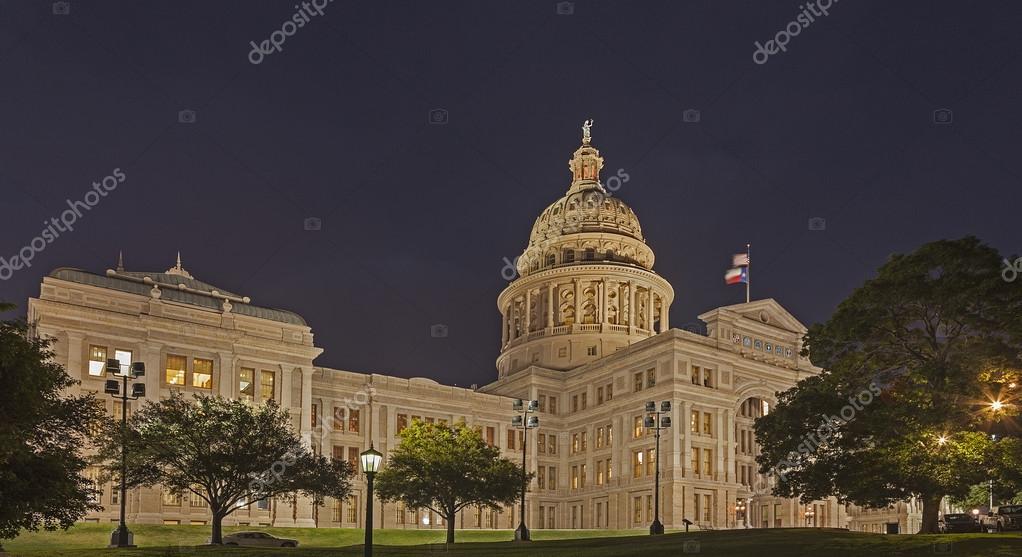 Capital Do Estado Do Texas à Noite U2014 Fotografia De Stock #25379107 Part 32