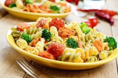 Pasta fusilli salad