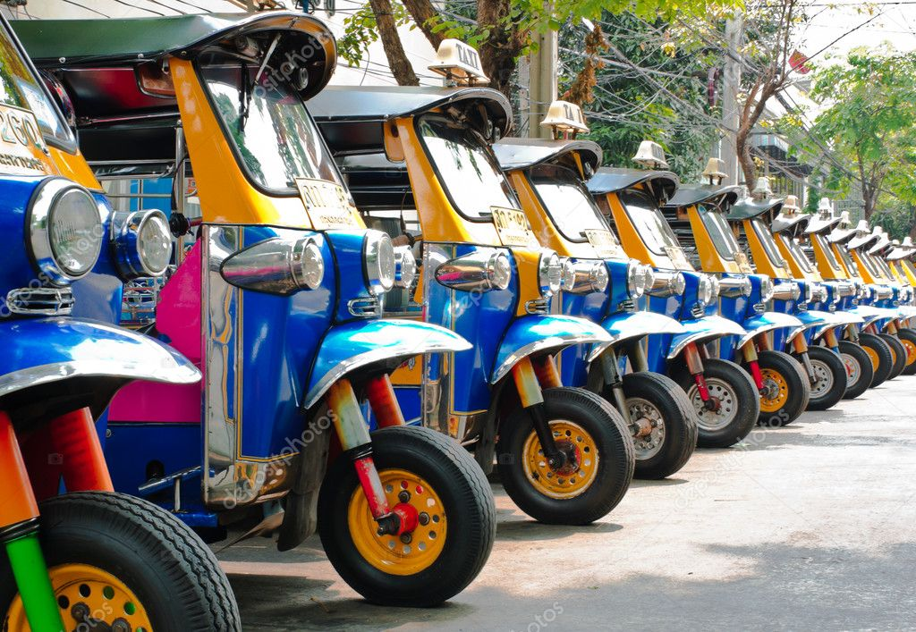 Tuk tuks taxi lined up