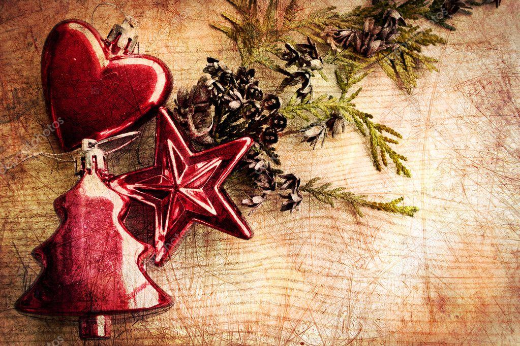 adornos navideos vintage con fondo de madera y rbol de navidad u foto de avgustin