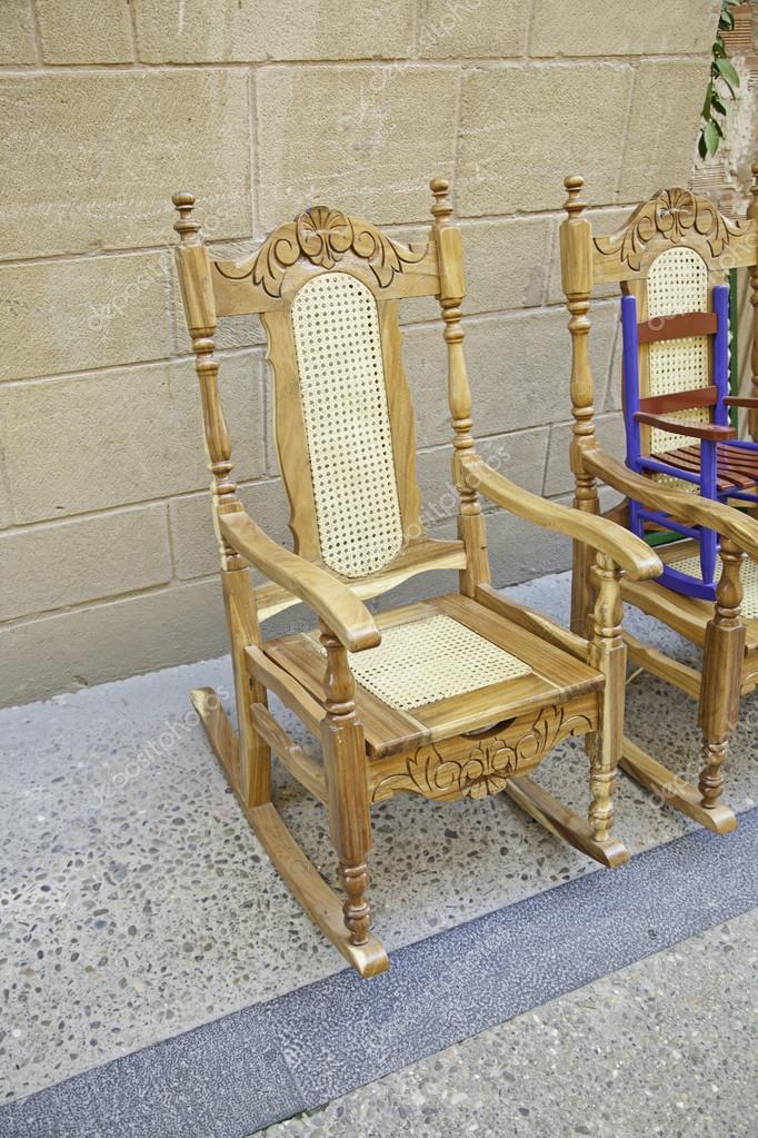 sedie antiche in legno — Foto Stock © esebene-photo #23384236