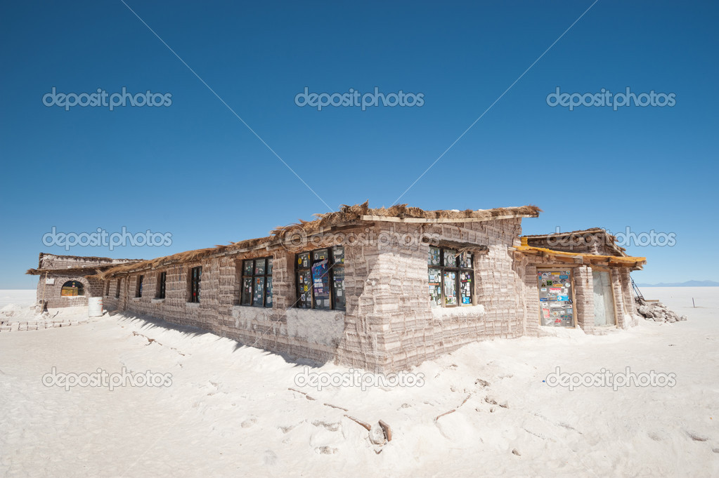 Salar de uyuni salt hotel museum bolivia stock photo for Salar de uyuni hotel made of salt