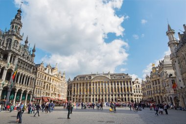 BRUSSELS, BELGIUM - JUNE 15, 2014: The main square Grote Markt