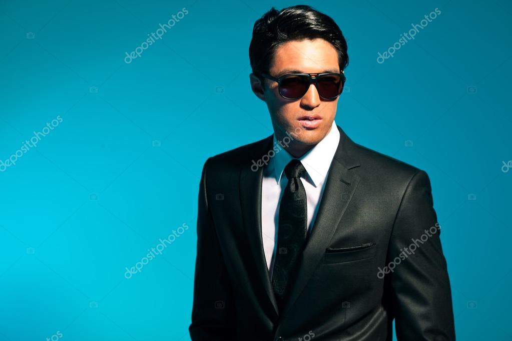 En Des Costume De Homme Lunettes SoleilMode Asiatique Avec mNwOn8v0