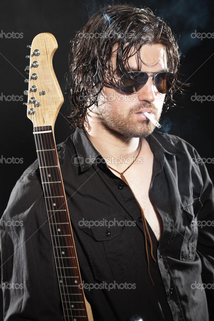 Chitarrista Con Capelli Occhiali E Lunghi Da Castani Rock Barba 5RL4Aj3q