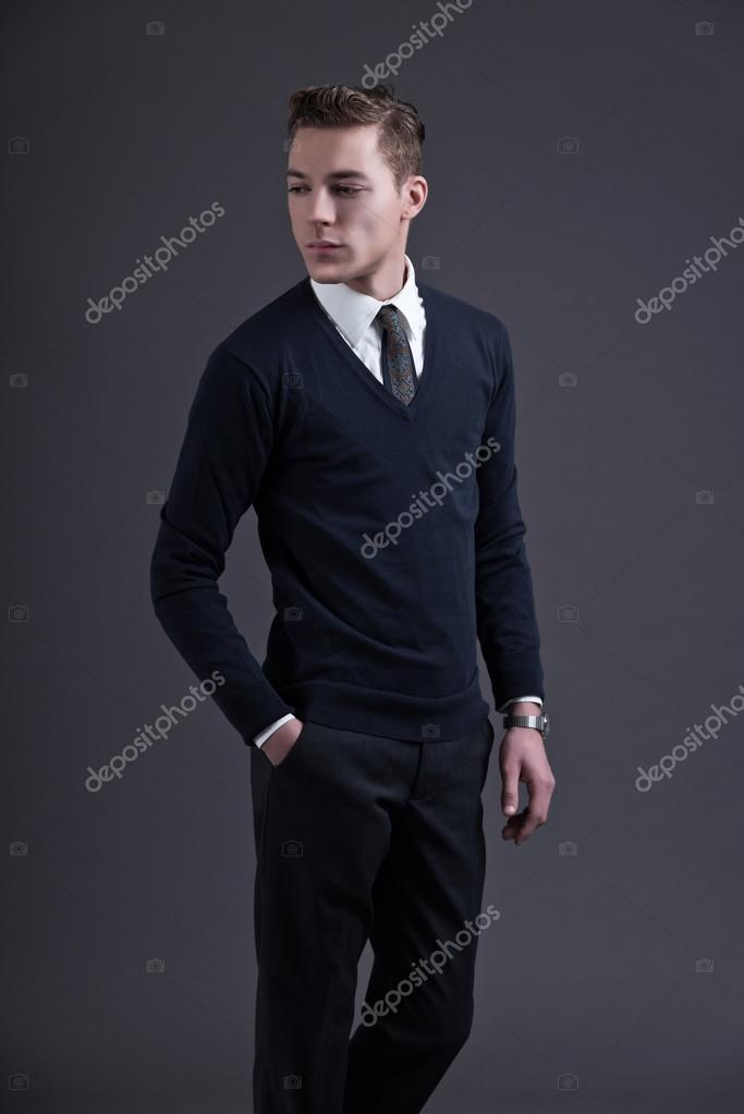 retro 50er jahre stil mode junger mann dunkel blaues hemd. Black Bedroom Furniture Sets. Home Design Ideas