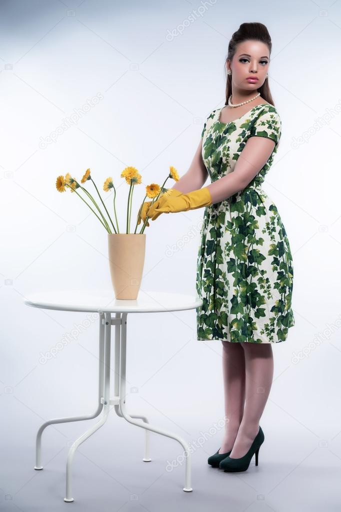 R tro ann es 50 mode pour femme au foyer avec des gants de for Femme au foyer annees 50