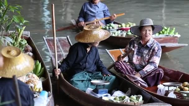 Damnoen Saduak floating market. Bangkok, Thailand