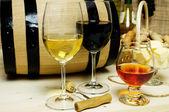vörös és fehér bor, pálinka