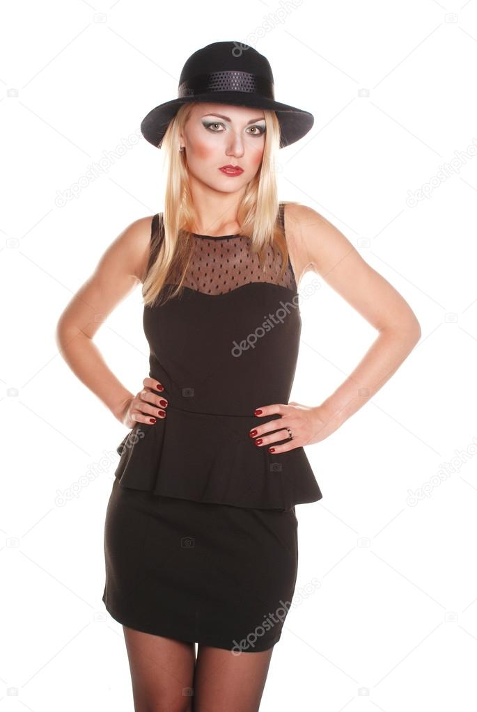 Modelo de vestido negro clasico