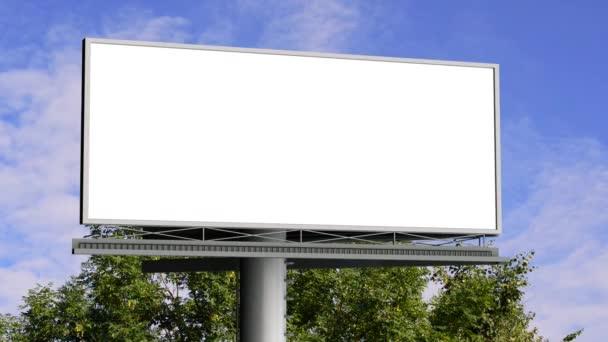 Plakatwand mit leerem Bildschirm