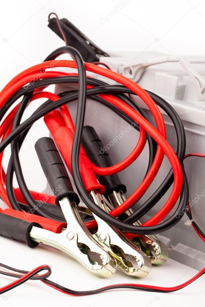 Autobatterie und Überbrückungskabel — Stockfoto © yeti88 #30297191