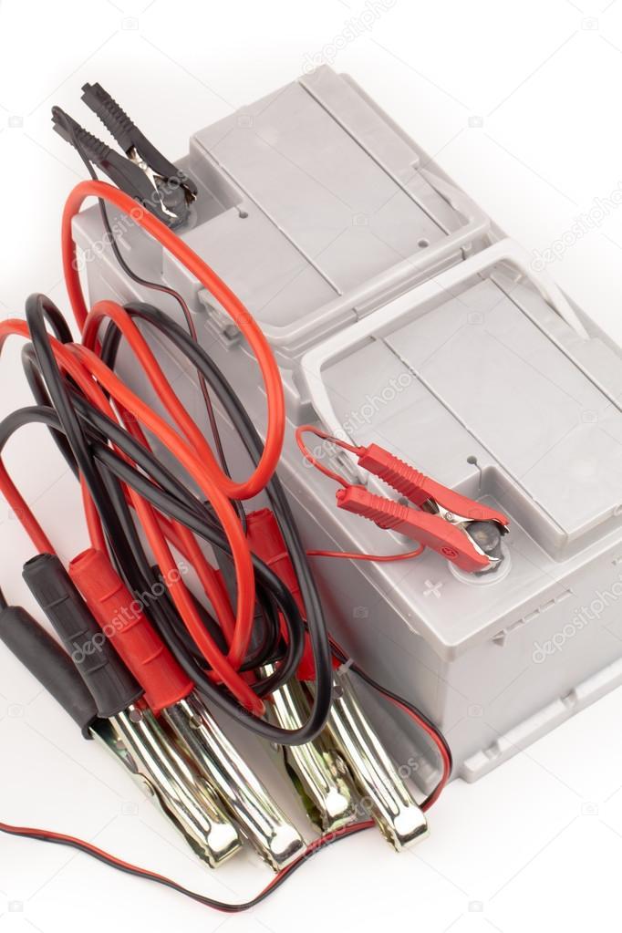 Autobatterie und Überbrückungskabel — Stockfoto © yeti88 #30297221