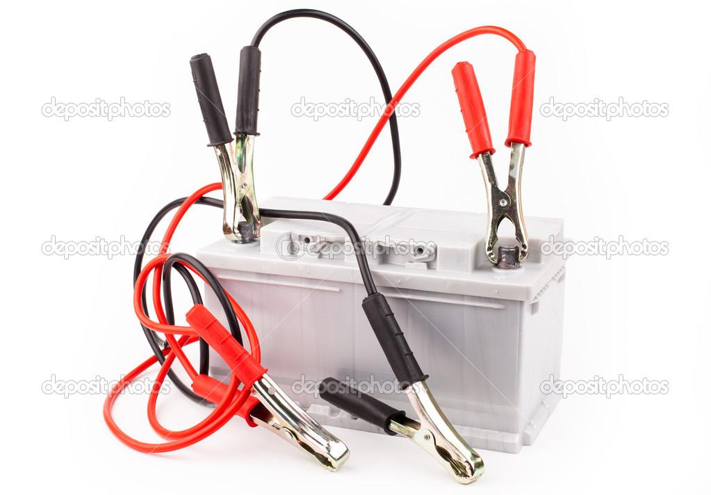 Autobatterie und Überbrückungskabel — Stockfoto © yeti88 #30297473