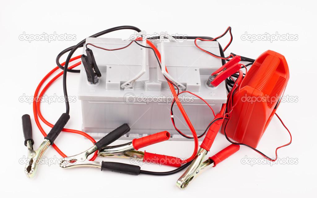 Autobatterie und Überbrückungskabel — Stockfoto © yeti88 #30297475