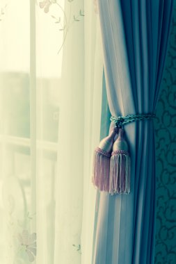 curtain with curtain tieback