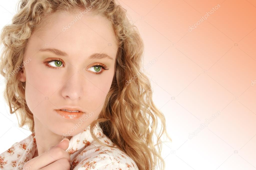 Blonde haare und grune augen