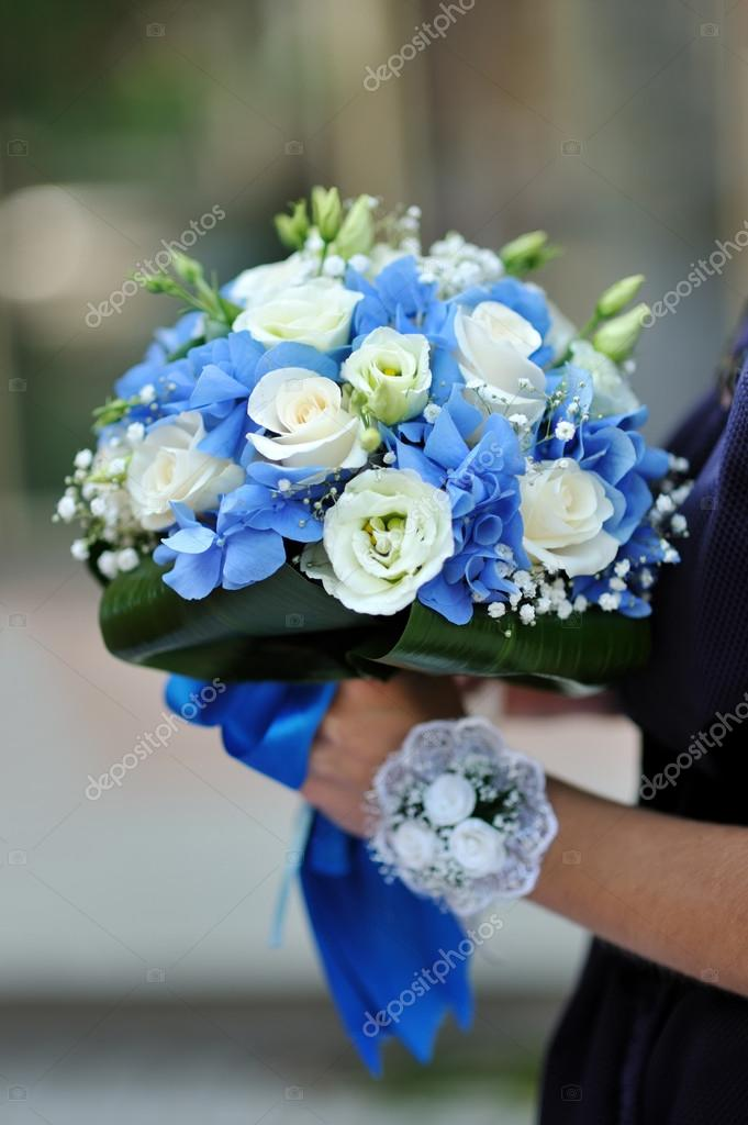 Beautiful blue and white fresh flowers wedding bouquet — Stock Photo ...