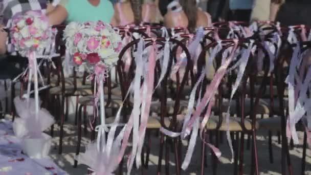 Menyasszonyi csokrok és szalagok