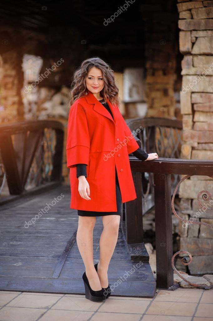 Abrigo rojo elegante