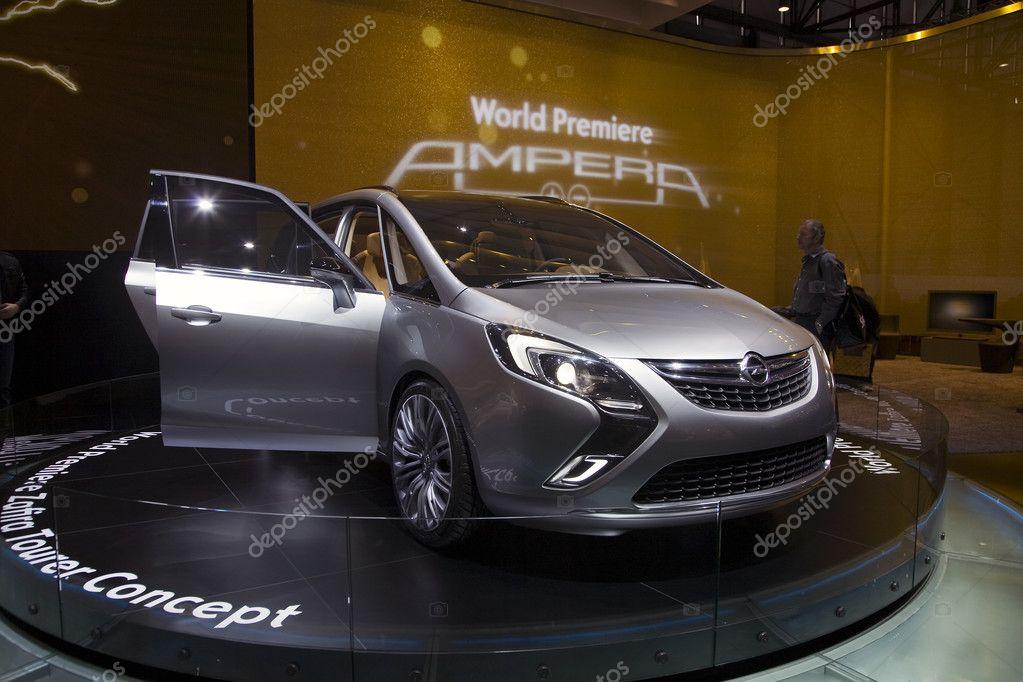 Opel Zafira Tourer Concept Stock Editorial Photo Shadow69 12884288