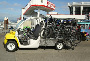Bike and Roll bicycles ready for tourists in San Francisco