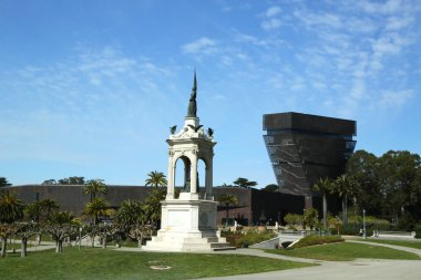 Francis Scott Key monument and De Young Museum in Golden Gate Park in San Francisco