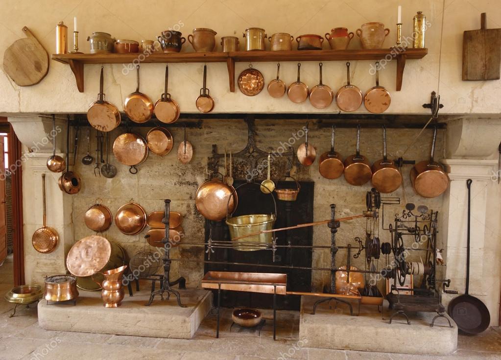 la cocina antigua de chateau de pommard Bodega en Francia — Foto ...