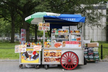 Street vendor cart in Manhattan