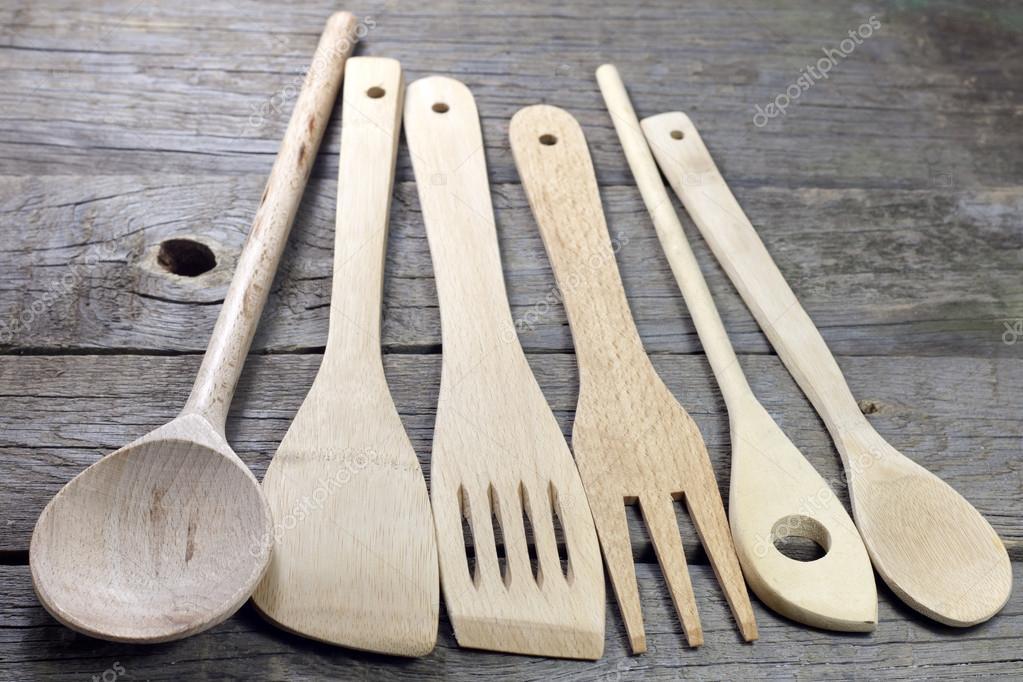 antiguos utensilios de cocina retro en tableros de madera — Fotos de ...