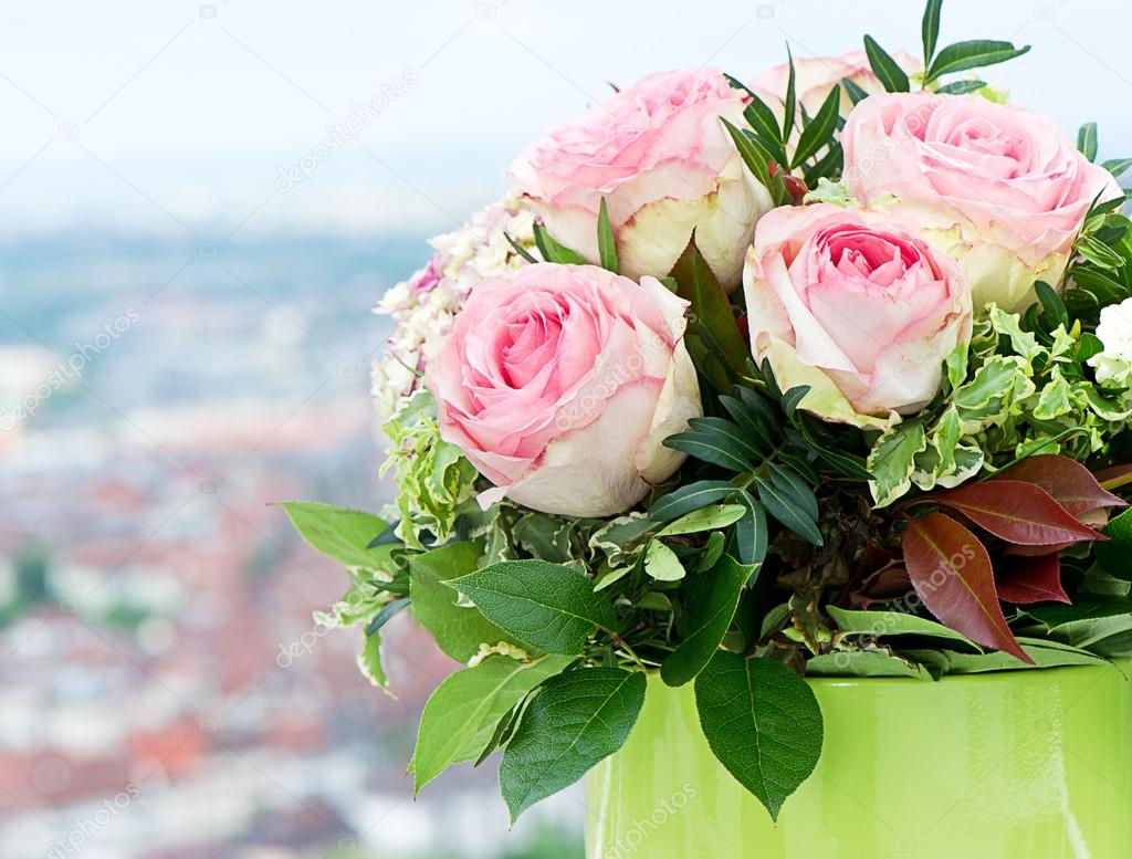 beautiful roses bouquet on natural background
