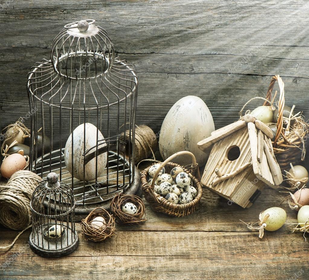 Attrayant Vintage Décoration De Pâques Avec Des Oeufs, Volière Et Cage à Oiseaux U2014  Photo