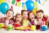 Fotografia ragazzi alla festa di compleanno