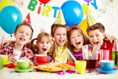 kids at birthday party