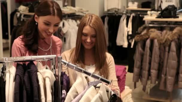 Lányok élvezik, vásárlás